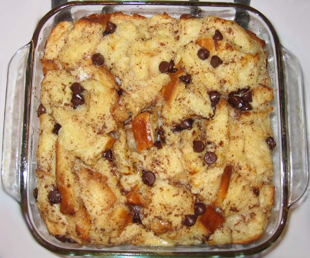 Madhu Knits and Cooks: Chocolate Chip Bread Pudding