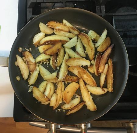 Greek Garlic Lemon Potatoes - Cooked in Pan